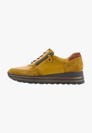 Sneakers laag - okka okka zimt