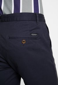 Scotch & Soda - STUART CLASSIC SLIM FIT - Chino - night - 5