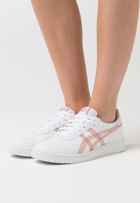 ASICS SportStyle - JAPAN  - Trainers - white/dusty steppe - 0