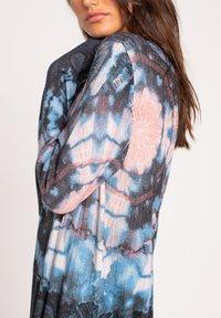 Ivko - PRINTED DRESS  BATIK PATTERN - Jumper dress - dark grey - 3