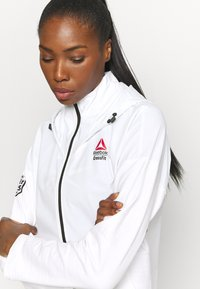 Reebok - CONTROL HOODIE - Soft shell jacket - white - 5