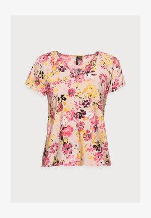 VMGIGI TOP PETITE - Print T-shirt - sepia rose