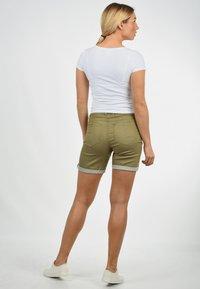 Desires - JEANSSHORTS LILA - Denim shorts - light green - 2