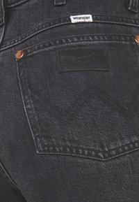 Wrangler - WILD WEST - Straight leg jeans - rinsed black - 2