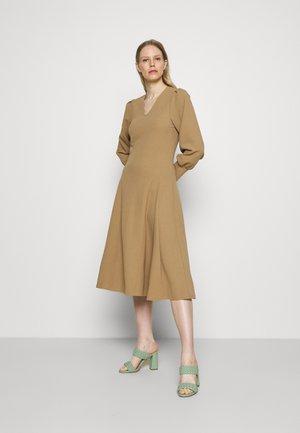 PUFF - Jersey dress - brown