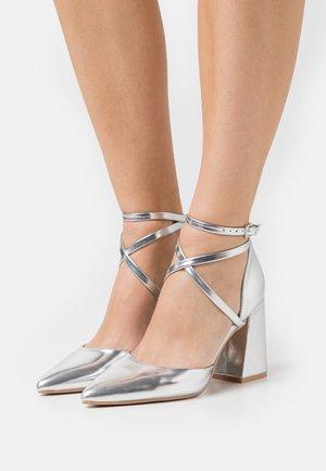 LIANNI - Høye hæler - silver
