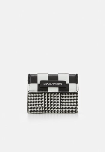 FLO CHECK WOMEN'S TRIFOLD WALLET