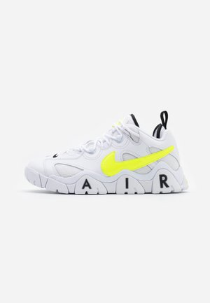 AIR BARRAGE  - Sneakersy niskie - white/volt/black