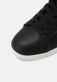 Benetton - LABEL LAMINATI - Sneakers basse - black - 7
