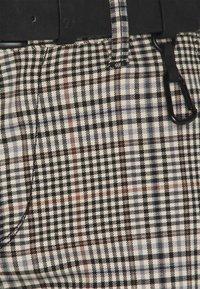 TOM TAILOR DENIM - STRUCTURED - Chinot - brown/beige - 2