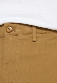 DOCKERS - SMART FLEX TAPERED - Pantalones chinos - ermine - 6
