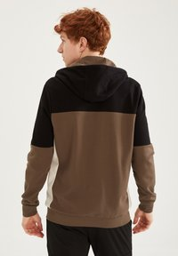 DeFacto Fit - Zip-up sweatshirt - khaki - 2