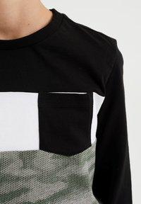 WE Fashion - MET DESSIN - Top sdlouhým rukávem - green - 2
