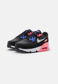 Nike Sportswear - AIR MAX 90 UNISEX - Zapatillas - black/metallic silver/sunset pulse - 1
