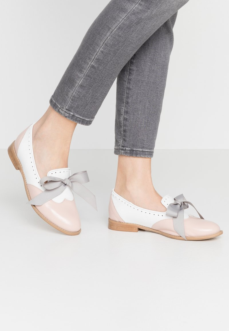 L37 - MOUSE WORLD - Slip-ons - pink/white