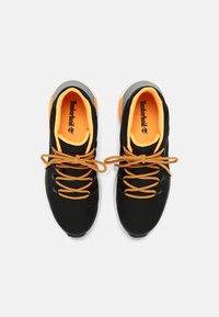 Timberland - SPRINT TREKKER MID WP ULTD - High-top trainers - black/orange - 3