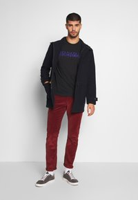 Napapijri - SOLANOS - T-shirt z nadrukiem - black - 1