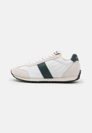 COURT PACE  - Trainers - offwhite/dark green