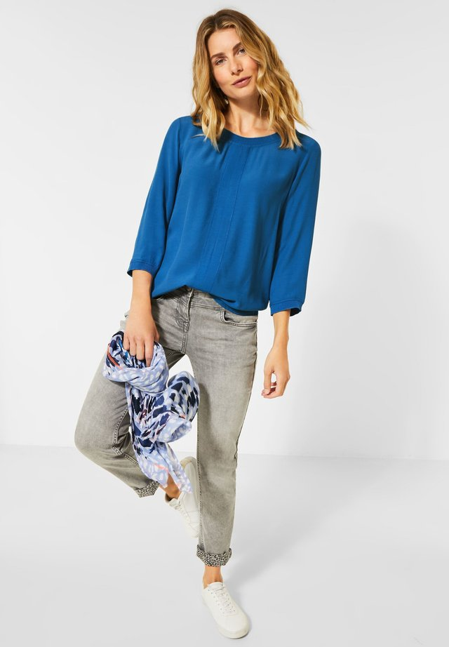 AUS MATERIALMIX - Blouse - blau