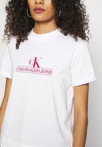 Calvin Klein Jeans - ARCHIVES TEE - Print T-shirt - bright white - 7