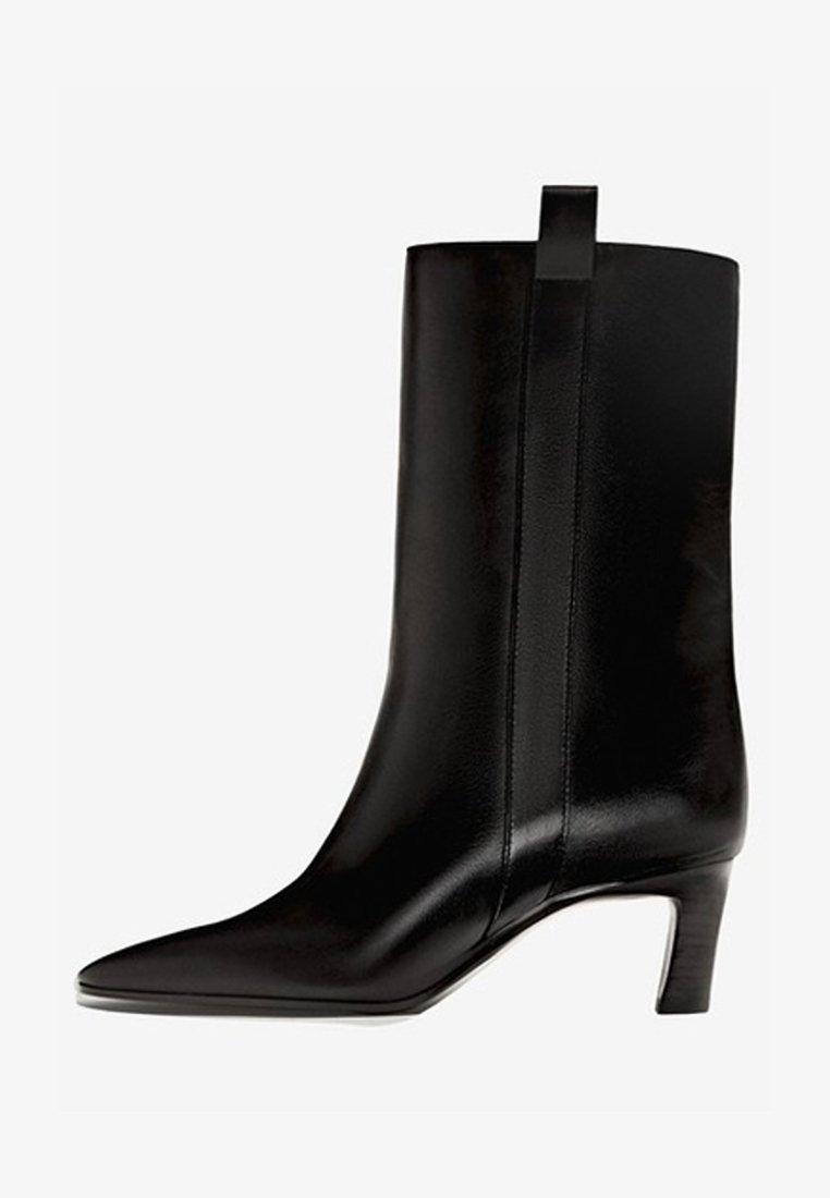 Massimo Dutti - Korte laarzen - black