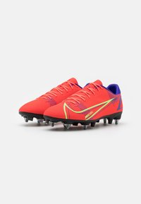 Nike Performance - MERCURIAL VAPOR 14 ACADEMY SG-PRO AC - Screw-in stud football boots - bright crimson/metallic silver - 1