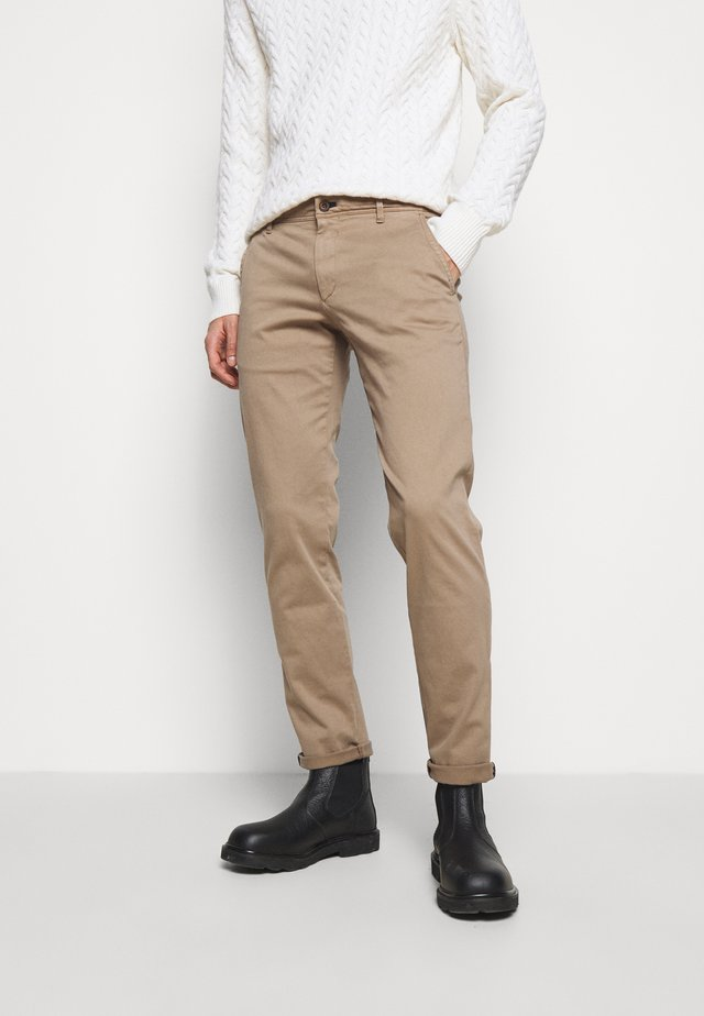 MATTHEW - Chinos - medium beige