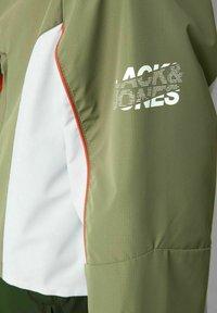 Jack & Jones Junior - JCOCARSON - Jas - deep lichen green - 6
