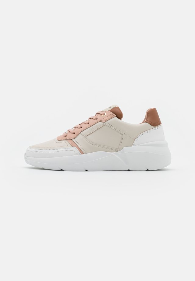 LUCY ROGUE ROAD - Sneakers - beige/multicolor