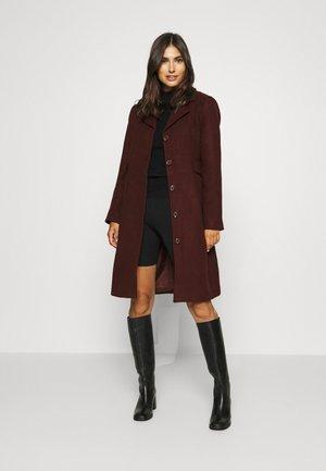 Classic coat - winetasting