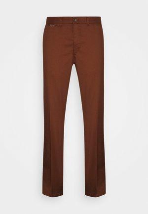 STUART CLASSIC  - Chinos - brown
