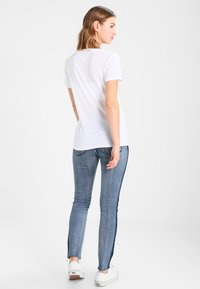 Tommy Jeans - T-shirts med print - classic white - 2