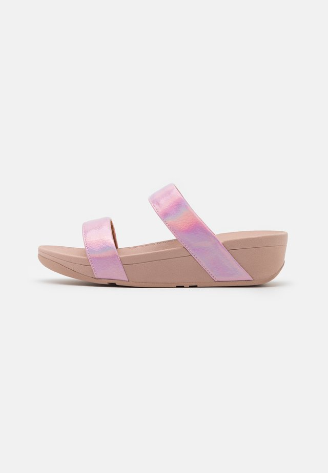 LOTTIE IRIDESCENT SCALE SLIDES - Sandaler - pink