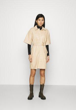 BREAK - Košilové šaty - light beige