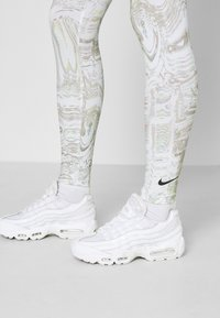 Nike Sportswear - Legging - white - 4