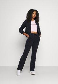Juicy Couture - TOWEL TANYA TRACK - Zip-up sweatshirt - night sky - 0