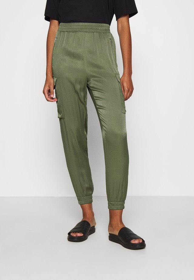TROUSERS - Cargo trousers - olive