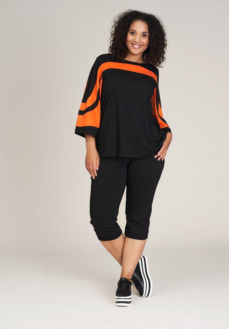Studio - ANDREA - Blouse - black orange