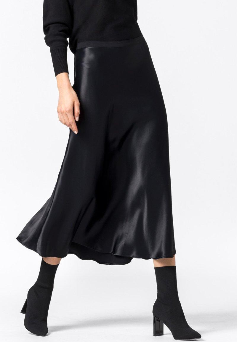 HALLHUBER - ROCK SWIRLING - A-line skirt - schwarz