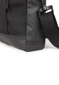 Eastpak - Briefcase - cnnct coat - 4