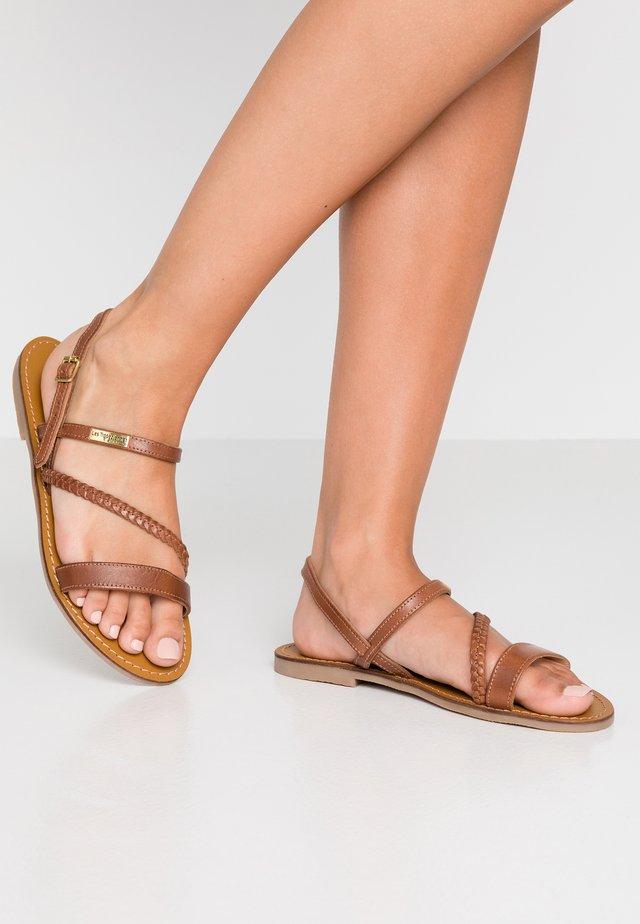 BATRESS - Sandaler - tan