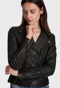 Oakwood - SAMANTHA  - Leather jacket - black - 4