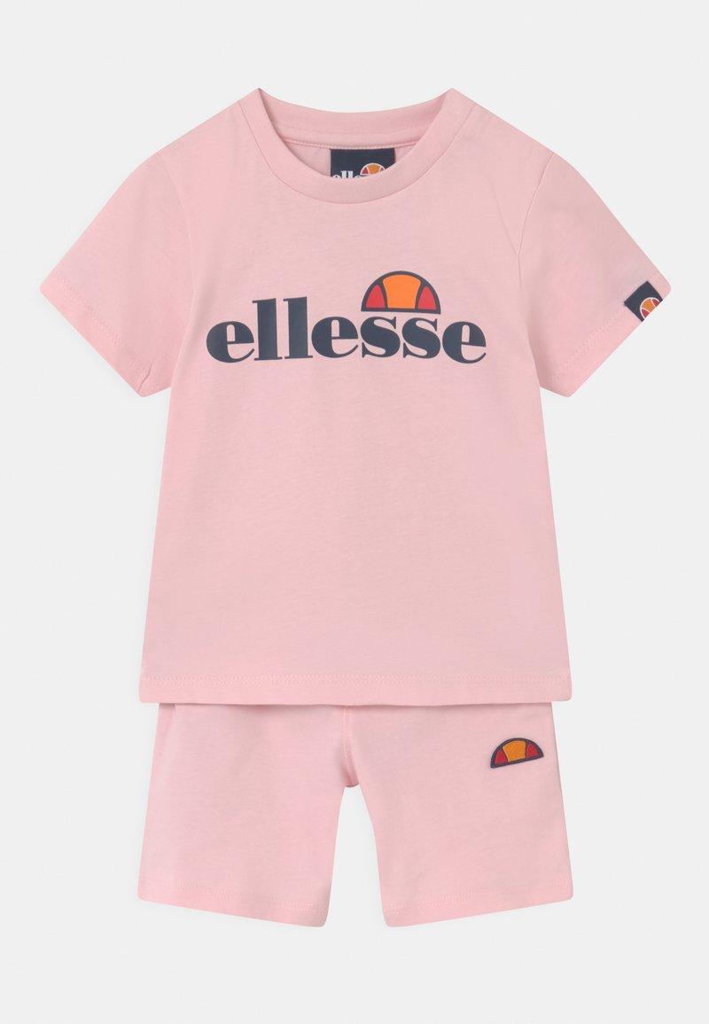 Ellesse - LEOPOLDI SET UNISEX - Shorts - light pink