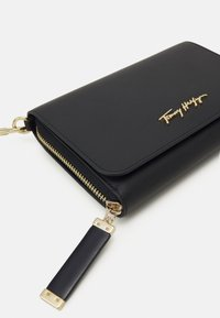 Tommy Hilfiger - ICONIC CROSSOVER - Across body bag - blue - 3