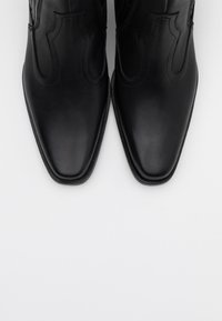 Toral - Cowboy/biker ankle boot - black - 5