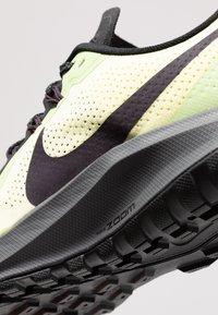 Nike Performance - AIR ZOOM PEGASUS 36  - Vaelluskengät - luminous green/burgundy ash/black - 5