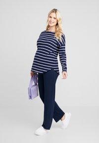 Zalando Essentials Maternity - Jumper - dark blue/off-white - 1
