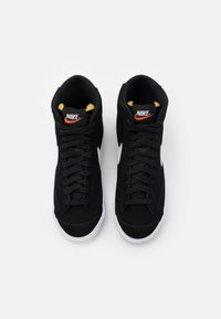 Nike Sportswear - BLAZER MID '77 UNISEX - Sneaker high - black/white/total orange - 3