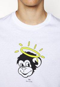 PS Paul Smith - MENS SLIM FIT MONKEY HALO - Print T-shirt - white - 5