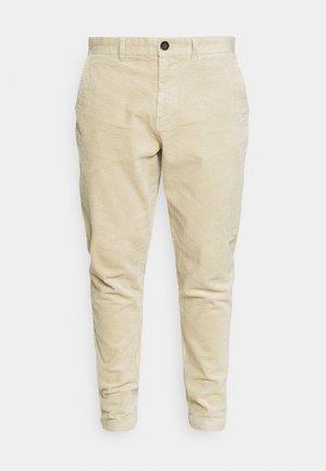 AKJULIUS PASPEL PANT - Pantalones - brown rice